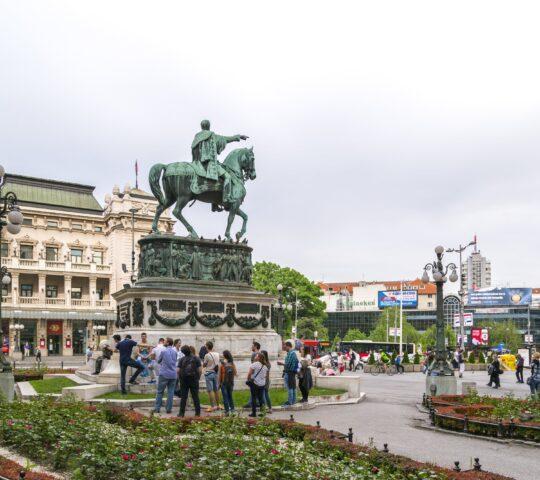 Cumhuriyet Meydanı ve Prens Mihailo Anıtı