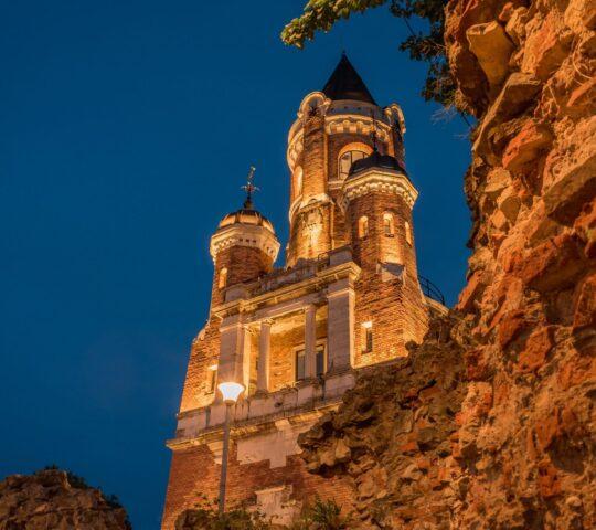 Milenyum (Gardos) Kulesi
