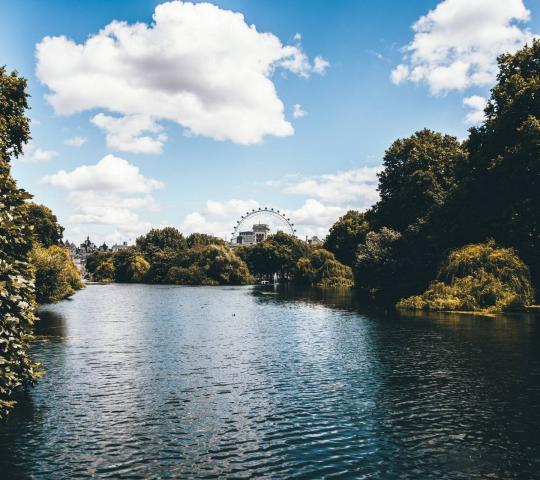 St. James's Parkı